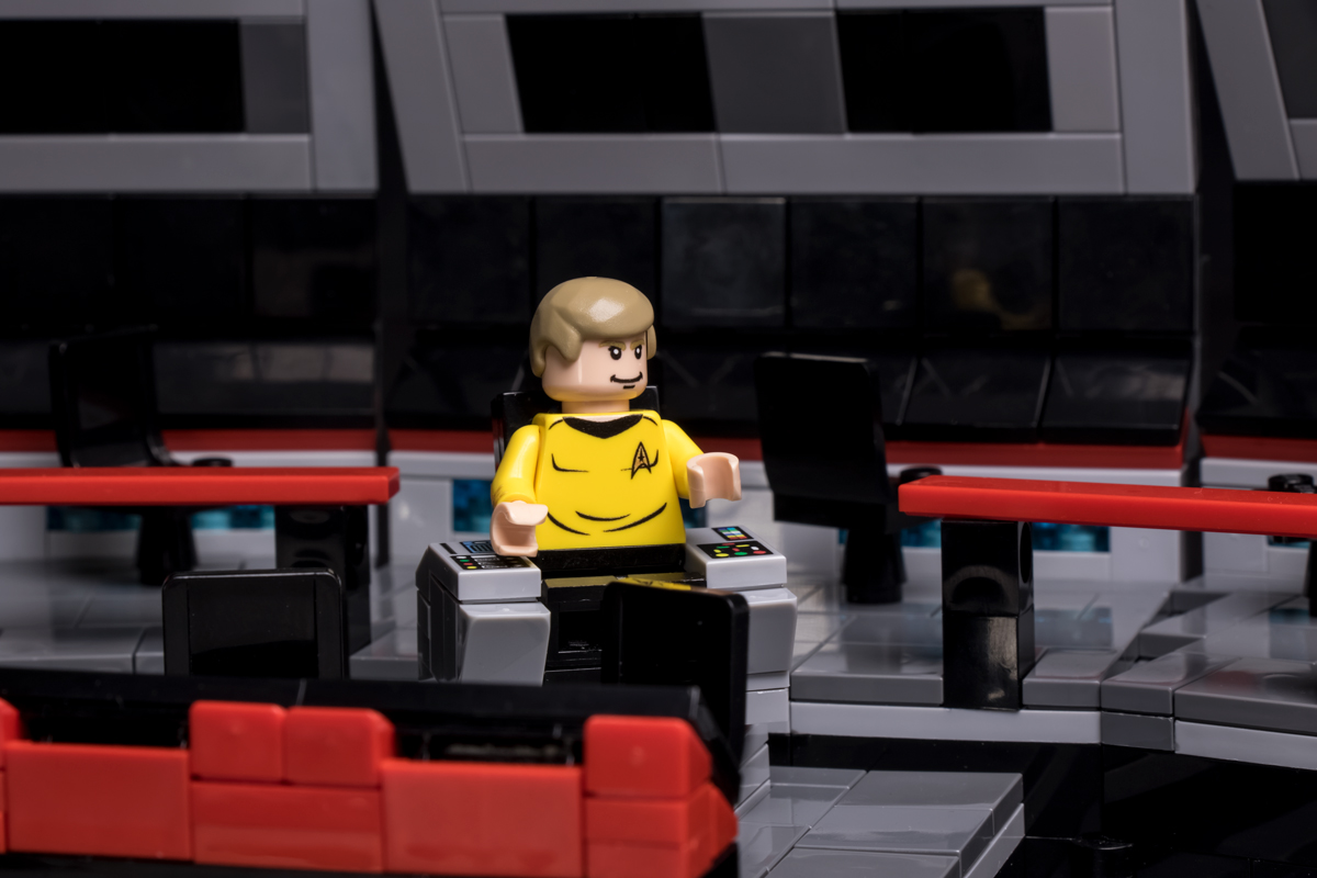9012-starship-captain-action-shot-2-1200.jpg